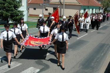 Žehnání repliky hasičského praporu SDH Blučina