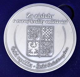 Zakázková výroba medailí.