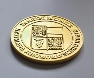 Pamětní medaile pro JMK.