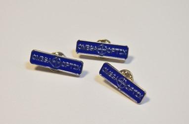 Ukázka vyhotovení firemních odznaků, uchycení pin.