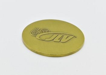 Oboustranná pamětní medaile vyhotovena na zakázku.