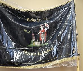 Pláštěnka na vyšívaný prapor, vlajku