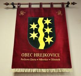 Vyšívaný velký znak obce Hrejkovice