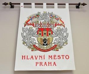 Vyšívaný znak ve velkém provedení, zakázka pro hlavní město Praha