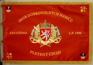 Tištěný prapor SDH Pletený Újezd, přední strana