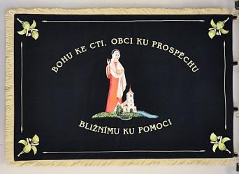 Slavnostní prapor SDH Majdalena.