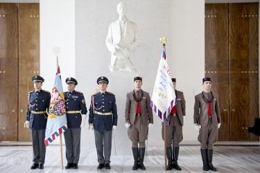 Prezidentský prapor vyhotovený pro Českou obec sokolskou