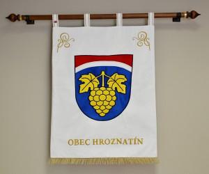Vyšívaný velký znak obce Hroznatín