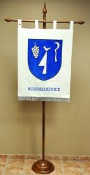 Vyšívaný znak obce Rozdrojovice ve velkém provedení