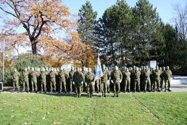 Předání slavnostního praporu rotě aktivních záloh Krajského vojenského velitelství Zlín.