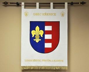 Slavnostní sametový znak ve velkém provedení vyhotovený pro obec Křenice.