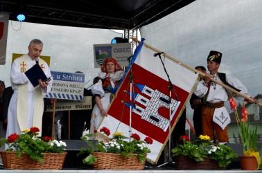 Žehnání obecní vlajky Kostelec na Hané.