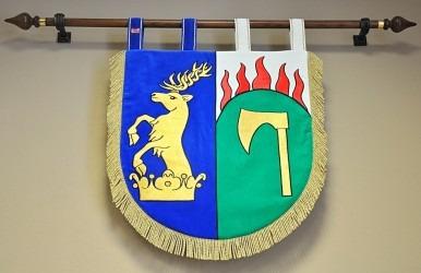 Vyšívaný znak v malém provedení vyhotovený pro obec Halámky.