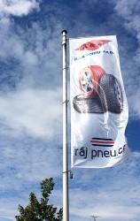 Výroba reklamaních vlajek s vlastní grafikou