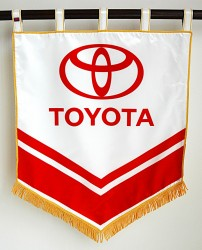 Tištěný znak pro automobilky a importéry