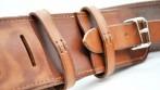 Detail koženého pásu pro praporečníka