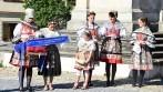 Vyšívaná pamětní stuha byla připojena k slavnostní vlajce městyse Vranov nad Dyjí.