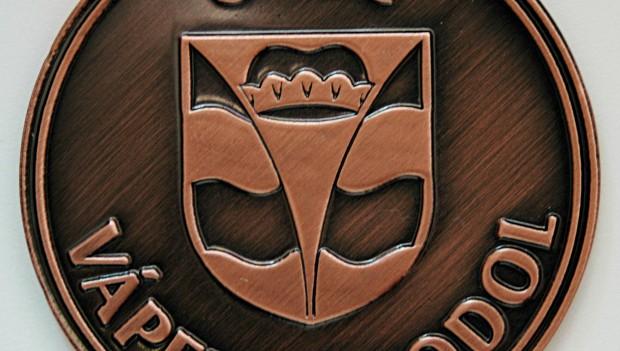 Heraldické okénko - znak a vlajka obce Vápenný Podol