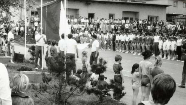 Sokolové z Veselíčka si nechali vyšít svou 100 letou tradici
