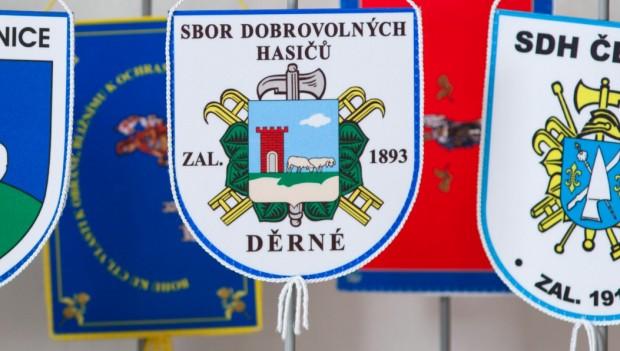 Stolní hasičské vlaječky a stojánky