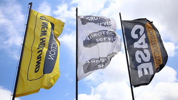 Reklamní vlajky pro výrobce, prodejce zemědělské techniky